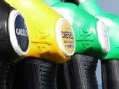 10 Dicas para poupar combustível que todos os condutores devem saber